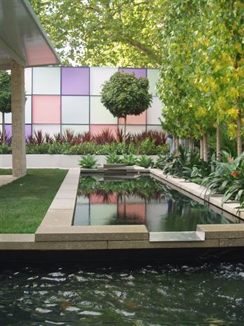 Learn landscape construction garden design business for Best home design with garden